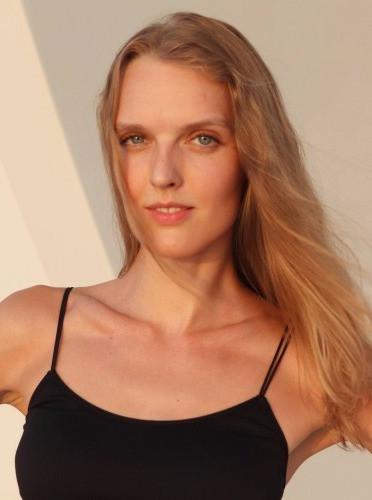 models_in_uae Elena