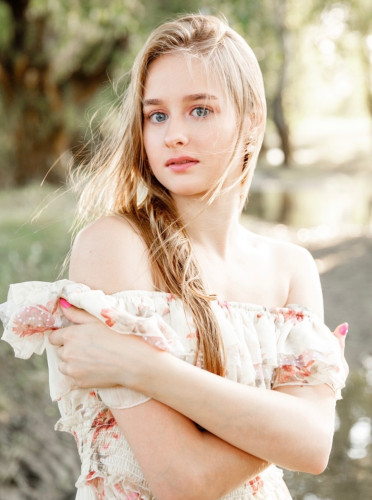models_in_uae Alexandra