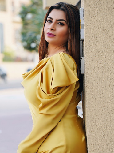 models_in_uae Aisha